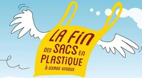 Interdiction des sacs plastique à usage unique en caisse depuis juillet 2016.